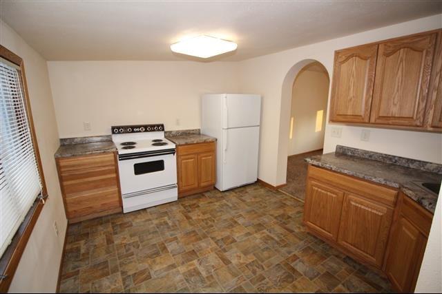 House For Rent In 1711 1st Ave Se Minot Nd
